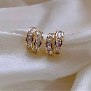 Gold tone geometric arc earrings